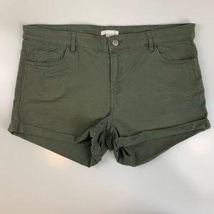 H&M size 14 green shorts